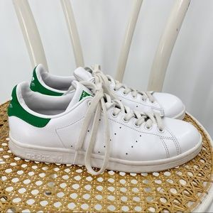 Adidas Stand Smith white sneakers green detail